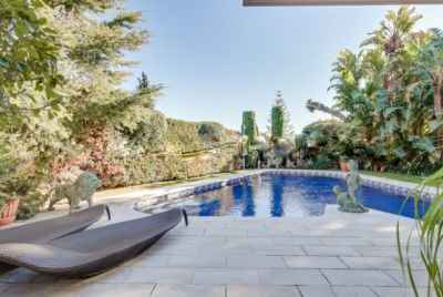 Spacious villa with swimming pool in Pedralbes area in Barcelona
